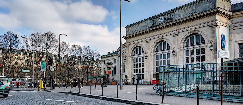 Station RER Denfert-Rochereau et Orlybus